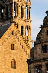 Architektur in Bamberg - Morgensonne, Auschnitt Turm des Bamberger Doms.
