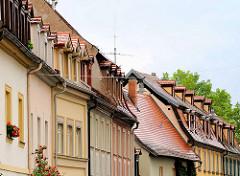 Hausfassaden, Dächer mit Dachgauben in Bamberg.