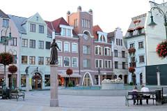 Europaplatz in Komárno, Slowakai - erbaut 1999 / 2000 mit 45 Gebäuden, die die Länder Europas darstellen.