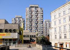 Hochhäuser der Siedlung Grunwaldplatz / plac Grunwaldzi; erbaut von 1967 - 1975 - Architekten Jadwiga Grabowska-Hawrylak,  Zdzisław Kowalski, Włodzimierz Wasilewski.