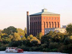Altes Wasserwerk - Wasserturm an der Oder in Wroclaw, Breslau, errichtet 1877.