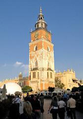 Rathausturm von Krakau - historische Architektur, Architekturgeschichte - der Rathausturm (Wieża Ratuszowa) ist der bis heute erhaltene Rest des im 13. Jahrhundert erbauten und wegen Baufälligkeit im 19. Jahrhundert abgetragenen Krakauer Rathauses.