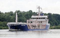 Tankschiff FJORD ONE auf dem Nord Ostsee Kanal - der Tanker hat eine Länge von 68m und eine Breite von 15m.