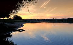 Sonnenuntergang - Elblandschaft, ruhiges Wasser.