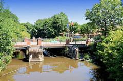 Mühlenwehr in Bremervörde - dort stand ehem. eine Papiermühle u. Kornwassermühle.