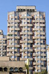 Hochhaus  der Wohnsiedlung Grunwaldplatz / plac Grunwaldzi; erbaut von 1967 - 1975 - Architekten Jadwiga Grabowska-Hawrylak,  Zdzisław Kowalski, Włodzimierz Wasilewski.