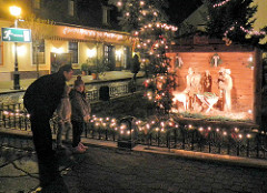 Weihnachtskrippe und Weihnachtsdekoration - Mosonmagyaróvár, Ungarn.
