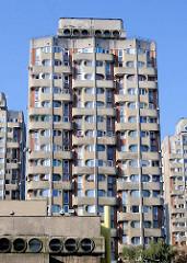 Architektur in Wroclaw, Breslau Hochhaussiedlung Grunwaldplatz / plac Grunwaldzi; erbaut von 1967 - 1975 - Architekten Jadwiga Grabowska-Hawrylak,  Zdzisław Kowalski, Włodzimierz Wasilewski.