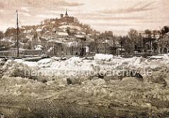 Historisches Hambug - Eisgang vor Hamburg Blankenese / Süllberg.