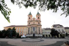 Minoritenkirche, Pfarrkirche St. Antonius am Dobó PLatz in Eger / Ungarn - fertig gestellt 1767.