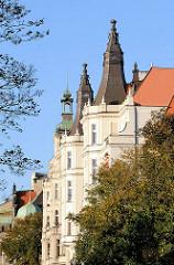 Hausgiebel mit Türmen - Architeturfotos aus Wroclaw, Breslau - Polen