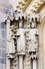 Skulpturen von Kunigunde und Heinrich der II. an der Adamspforte des Bamberger Doms.