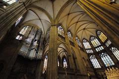 Gotische Architektur - Innenansicht des Regenburger Doms St. Peter.