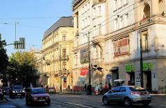 Historische Architektur Strassenbebauung - Strassenverkehr in Krakau.
