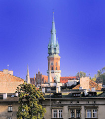 Dächer von Krakau - Kirchturm  der St. Joseph Kirche; Stil Neogotik, erbaut 1905 - 1909.