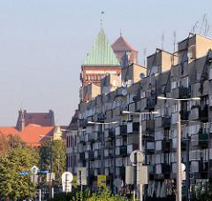 Moderne Architektur - historische Türme; Bilder aus Worclaw, Breslau - Polen.