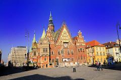 Rathaus von Wrocław / Breslau - spätgotische Architektur, reich verzierte Ostfassade.