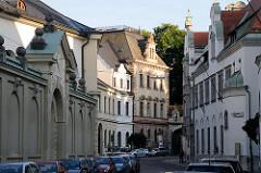 Historische Architektur Regensburg, schmale Strasse - Fürstliches Brauhaus Thurn und Taxis.