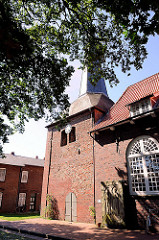 St. Georgskirche in Oberndorf an der Oste - Kirchturm der historischen Kirche.