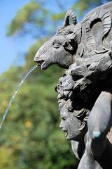 Detailaufnahme Singender Brunnen am Lustschloss Belvedere im Königlichen Garten / Prager Burg.