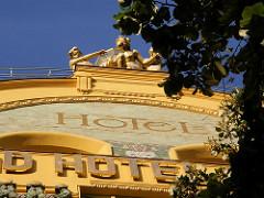 Jugendstilarchitektur in Prag - Hotel Europa; zum Jugendstilgebäude 1903 - 1905  von den Architekten Bedřich Bendelmayer und Alois Dryák ausgeführt.