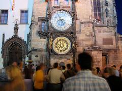 Prager Rathausuhr, auch Aposteluhr oder Altstädter Astronomische Uhr -  astronomische Uhr aus dem Jahr 1410.