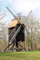 Freilichtmuseum Stade - Bockwindmühle; errichtet 1632.