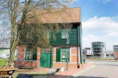 Historisches Baumhaus in Stade - Amtsstube des Hafenaufsehers, errichtet 1774.