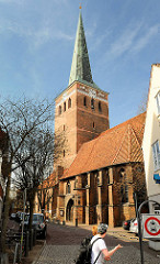 St. MarienKirche in Uelzen - Dreischiffige, gotische Hallenkirche, 1292 geweiht / Kirchturm von 1400.