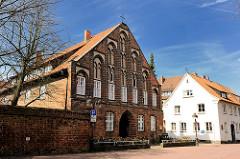 Probstei der St. Marienkirche in Uelzen - gotische Backsteinarchitektur, Stufengiebel.
