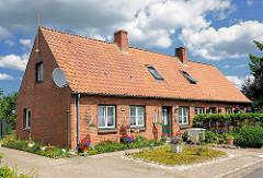 Landarbeiterkate - Wohnhäuser für Bedienstete des Gut Altfresenburg.