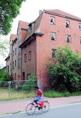 Verfallenes Industriegebäude - Industriearchitektur; Genossenschafts Mühle Elmshorn e. G. m. b. H. Abtl. Barmstedt.