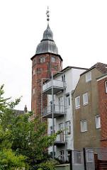 Wiebke Kruse Turm - Reste vom ehem. Stadtpalais des dänischen Königs Christian IV. 1638 ging ds Palais als Geschenk an seine Geliebt Wiebke Kruse. Moderne Wohngebäude wurden um den Turm errichtet.
