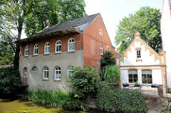 Ehem. Industriearchitektu am Ufer der Trave in Bad Oldesloe / Stormarn; Nutzung als Wohngebäude.