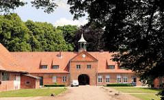 Torhaus und Nebengebäude Herrenhaus Altfresenburg; Bad Oldesloe, Kreis Stormarn.