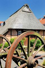 Alte Kate - reetgedecktes historisches Fachwerkhaus in Ahrensburg, Kreis Stormarn.