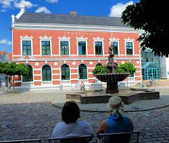 Historische Architektur Bad Oldesloe; Stadthaus, erbaut 1891; Bürgermeisterhaus Backsteinbau der Niederländischen Renaissance.