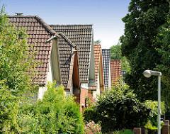 Einelhäuser - Spitzdach, Wohnhäuser in Bad Oldesloe - Kreisstadt.