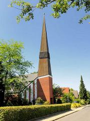 St. Johanniskirche Ahrensburg - erbaut 1960er Jahre; Architekt  Otto Andersen. Die Kirche wurde 2013 entwidmet und verkauft.