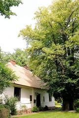 Mennokate in Bad Oldesloe - Wohnhaus /  Museum Menno Simons - Prediger des protestantischen Täufertums - 1561 in Bad Oldesloe verstorben - geistlicher Führer der nach ihm benannten Glaubensgemeinschaft der Mennoniten.
