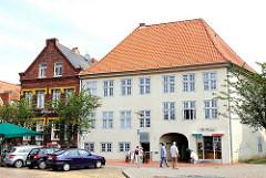 Wohngebäude am Marktplatz von Glückstadt, Unterelbe - Metropolregion Hamburg.