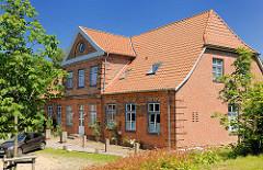 Historische Architektur in Ahrensburg, Kreis Stormar - Schleswig Holstein; Verwalterhaus am Marstall.