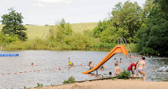 Naturfreibad Poggensee - baden am Rand von Feldern in Bad Oldesloe / Kreis Stormarn.