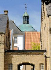 Dächer und Turm mit Kupferkuppel - Schloss Gottorf in Schleswig.