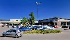 Nahversorgunszentrum Eichholzkoppel in Tangstedt / Stormarn - Supermärkte, Parkplätze