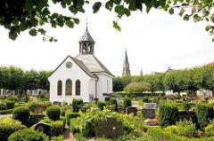 Holmer Kapelle auf dem Friedhof - Bilder aus der Stadt Schleswig.