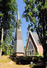 """Kirche """"Zum Guten Hirten"""" Tangstedt, erbaut 1964."""