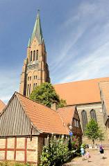 Fachwerk-Wohnhaus am St. Petri Dom in Schleswig.