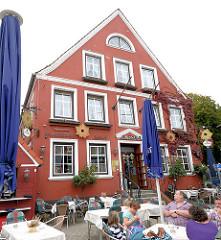 Historisches Gebäude in Kappeln - Hotel Aurora, Altstadt von Kappeln / sogen. Landarztkneipe, Fernsehserie.