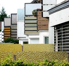 Balkons mit Windfang, Windschutz - Neubauten in Glashütte, Norderstedt; Architekturfotografie unterschiedlicher Architekturstile.